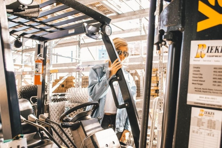 Heavy Equipment import to New Zealand